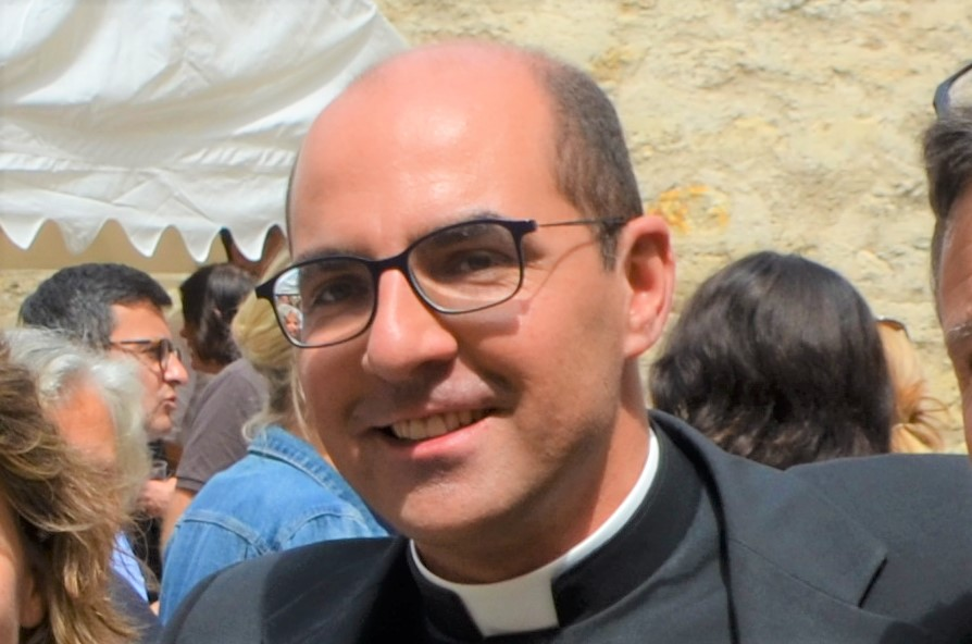 Père Camille Millour, Vicaire